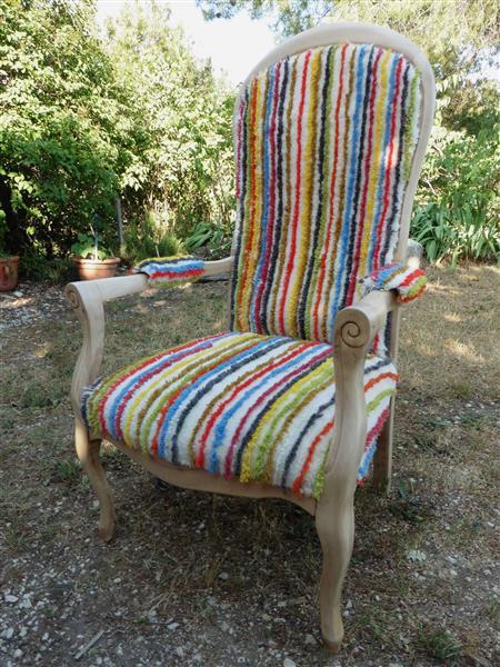 Images galeries 35 vignettes fauteuil voltaire avec tapis - Vente fauteuil voltaire ...